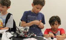 USA: des camps d'été immergent les enfants dans les prouesses technologiques d'Israël