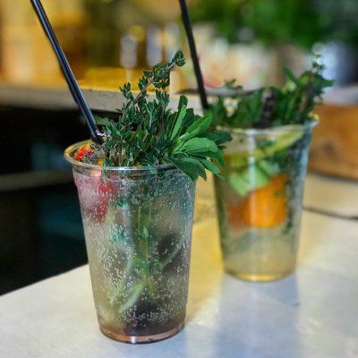 Le Café Levinsky fait de la fabrication de soda une forme d'art. Photo par Adeena Sussman