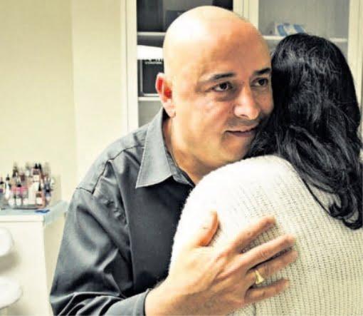 Ce tatoueur israélien redonne féminité aux femmes touchées par le cancer du sein