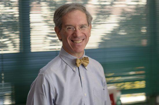 Le Dr Kenneth Offit dit qu'une nouvelle étude sur les mutations BRCA chez les juifs ashkénazes aidera à sauver des vies et à fournir des leçons pour de futurs tests médicaux.