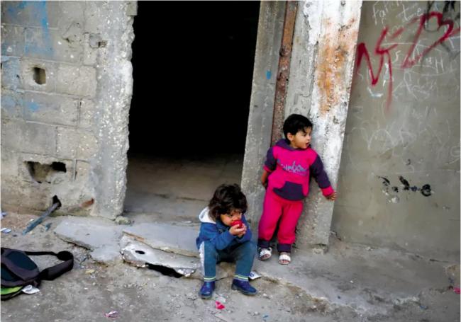 La vie de luxe des fonctionnaires de l'autorité Palestinienne