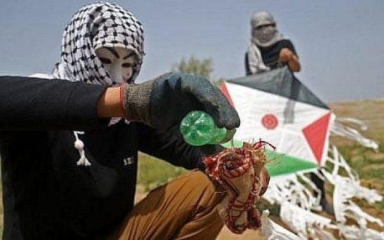 La nouvelle arme terroriste: le cerf-volant incendiaire