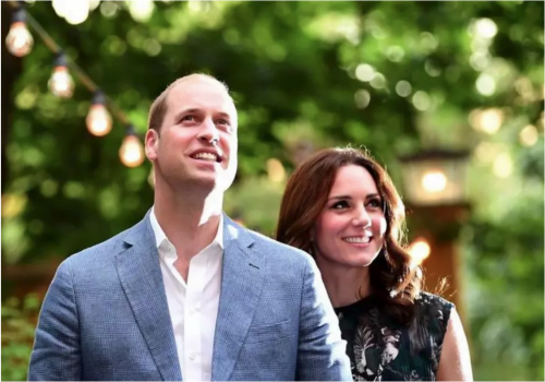 Le prince William de Grande-Bretagne, duc de Cambridge et son épouse la princesse Kate, duchesse de Cambridge, assistent à une réception au Claerchens Ballhaus, à Berlin, en Allemagne, le 20 juillet 2017. (Crédit photo: REUTERS / BRITTA PEDERSEN)