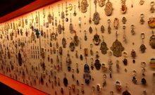 Juifs et Arabes ré-imaginent la hamsa dans une exposition à Jérusalem