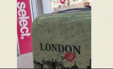 Israel: des valises avec une croix gammée dans une boutique de Tibériade
