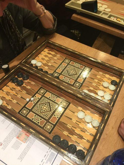 """""""Le backgammon est un jeu idéal pour rassembler Juifs et Arabes"""", dit Djemal"""