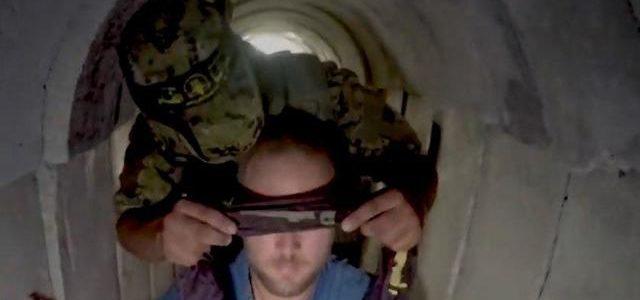 Un journaliste de CNN visite un tunnel du Jihad islamique
