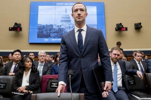 Marc Zuckerberg a déclaré que Facebook ne supprime pas les messages avec la négation de l'Holocauste