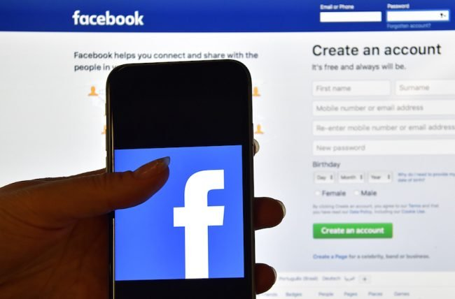Israël: Benjamin Netanyahu bloque la loi Facebook