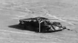 Le missile Gil 2 verrouille la cible.