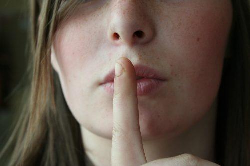Une loi du silence