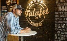 Un palestinien vends des falafels aux USA et nourris les réfugiés