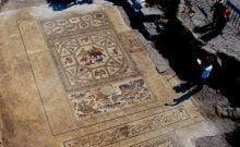 Mosaiques découverte en Israël de  1700 ans