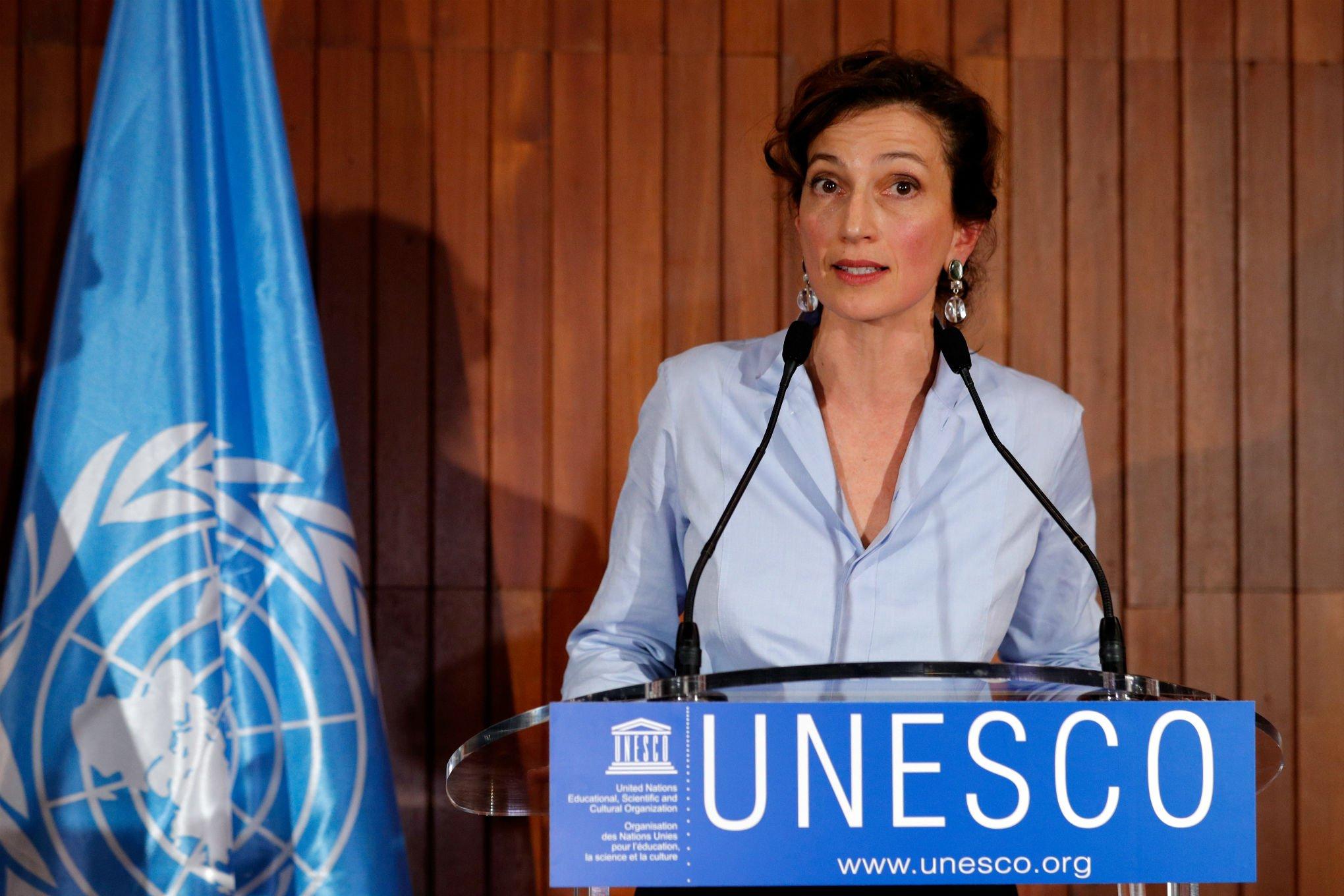 la directrice générale de l'UNESCO, Audrey Azoulay, issue de famille juive, essaye d'arrêter les accusations sans fondement sur Israël.