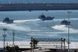 Les forces navales israéliennes ont tiré des coups de semonce pour tenir éloigner les bateaux palestiniens du blocus.