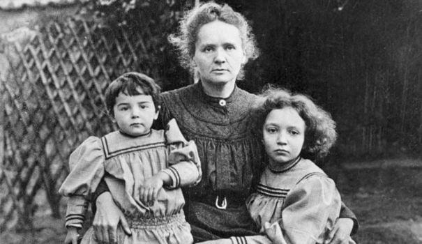 Marie Curie et ses filles qui reprendront le flambeau de la science