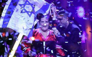 Israël a remporté le concours de l'Eurovision le 12 mai dernier. Cette victoire permet donc à Israël le droit d'organiser la prochaine édition de l'Eurovision, un événement qui devrait permettre une exposition mondiale de l'État hébreu.
