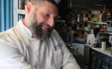 La maire de Paris remercie le chef cuisinier israélien Assaf Granit