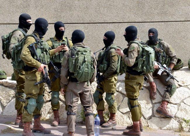 Israël: le terroriste qui a tué deux israéliens à Barkan pourrait frapperde nouveau