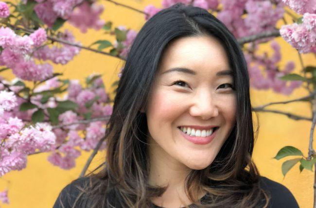 Cette jeune japonaise convertie au judaïsme convertit aussi la cuisine juive