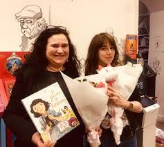 Julia Billet est écrivain, elle enseigne également à l'école des Beaux Arts d'Epinal. Claire Fauvel est illustratrice et écrivain.