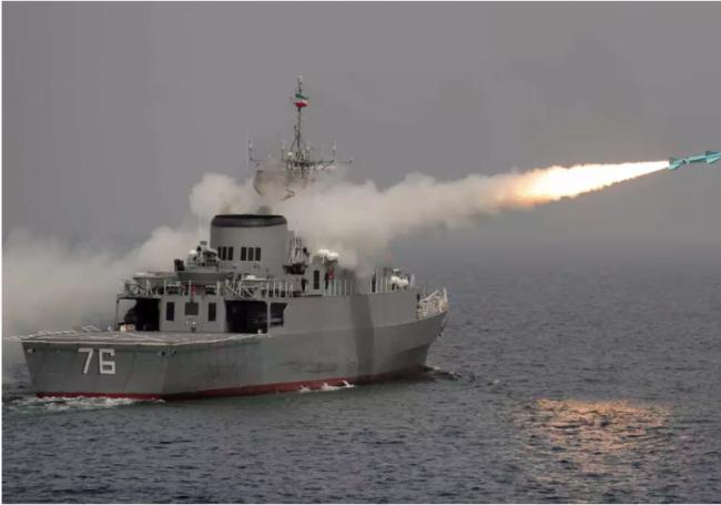 L'Iran annonce de nouvelles armes et une cyber-armée toute neuve