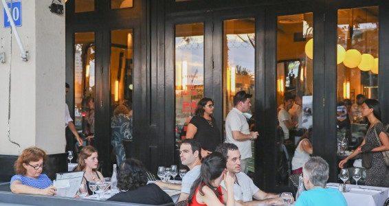 Israël: les restaurants vont éteindre les lumières en signe de protestation