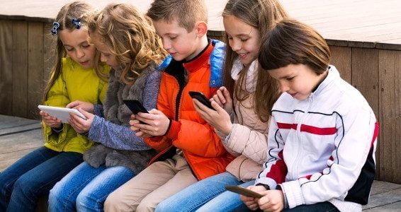 Israël: vers un retour aux portables d'antan pour protéger les enfants