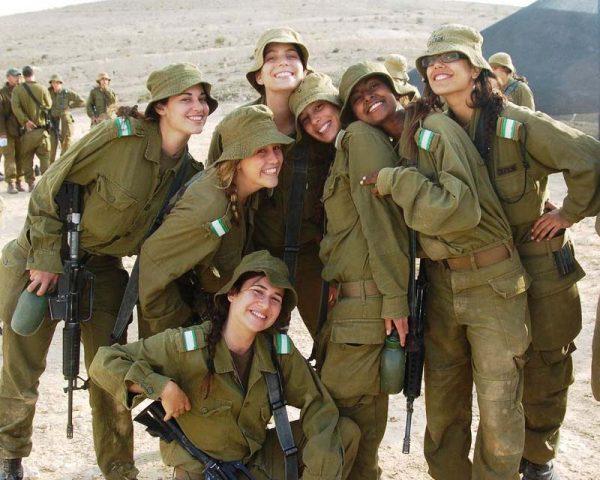 Les rabbins israéliens s'affrontent sur le sujet du pantalon pour les femmes