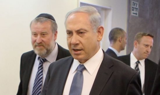 Le Premier ministre Benjamin Netanyahu, avec Avichai Mandelblit