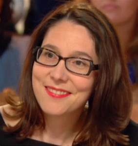 Véronique Mougin est l'auteur de plusieurs essais et d'un roman Pour vous servir (Flammarion, 2015). Elle a travaillé à l'Express et s'est spécialisée dans le domaine social.