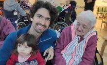 Israël : des descendants de nazis bénévoles auprès de survivants de l'Holocauste