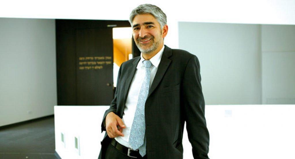Le rabbin des Emirats Arabes Unies Julien Haim Soussan