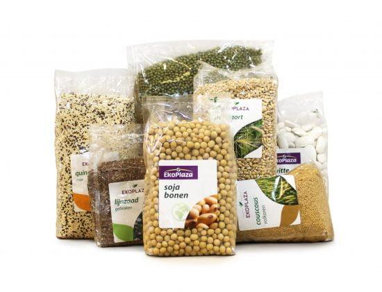 Sachets de céréales et légumineuses à EkoPlaza en Hollande, emballés dans le matériau biodégradable israélien Tipa.