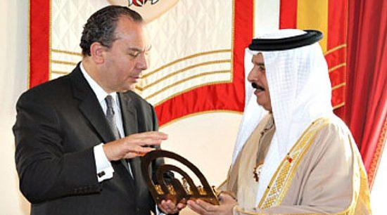 Le rabbin Schneier avec le roi de Bahreïn Hamad bin Isa Al Khalifa
