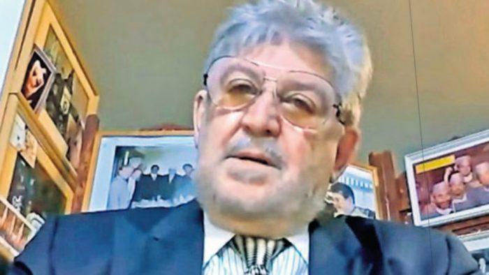 Israël: ce médecin âgé de 82 ans opère ses patientes dans son salon