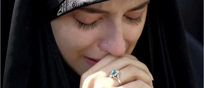 Des Iraniens pleurent le rabbin Ettinger, victime israélienne du terrorisme