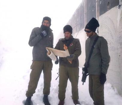 Israël: un Pourim tout blanc pour les soldats de Tsahal sur le mont Hermon
