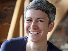 Marion Muller-Colard a étudié la théologie et le judaisme. Elle a été aumônier, chroniqueuse. Elle est l'auteur de nombreuses parutions dans des magazines jeunesse.