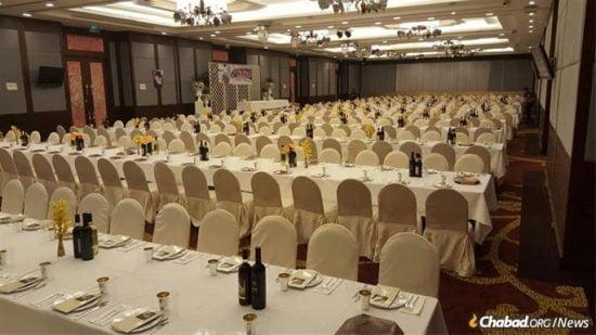 Préparation pour le Seder de la Pâque à Chiang Mai, en Thaïlande.