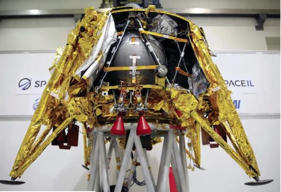 Morris Kahn, principal sponsor de la sonde Beresheet de SpaceIL, a annoncé samedi soir le financement d'un deuxième vaisseau spatial israélien, Bereshit 2.0.