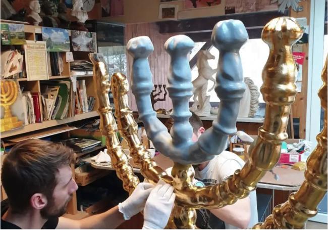 Des chrétiens allemands présenteront une menorah dorée pesant 120 kg à Jérusalem