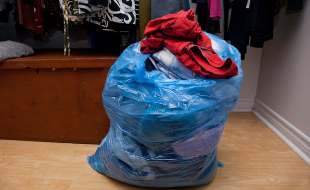 Israël: la mairie de Tel Aviv vous débarrasse de vos sacs de vêtements