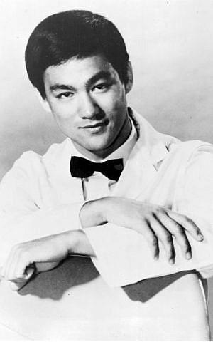 Bruce Lee en tant que Kato dans 'The Green Hornet,' en 1967.