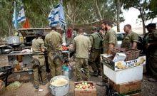 Un soldat sanctionné pour avoir ragné sur la même ètagère d'un réfrigérateur des produits laitiers et carnés