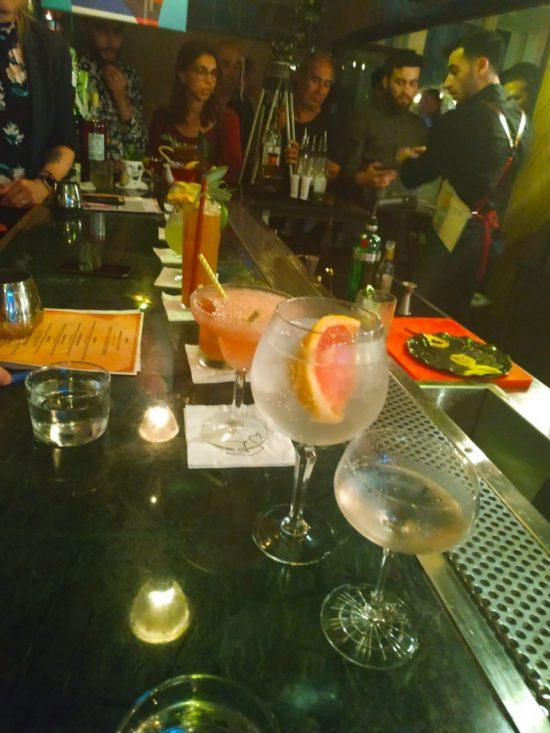 8 cocktails en 8 minutes.