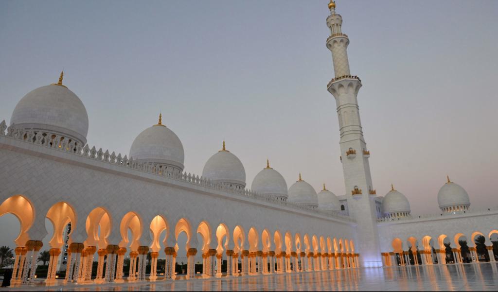 La mosquée Cheikh Zayed à Abou Dhabi © Tim Rooke /