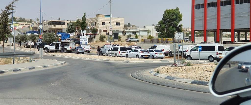 Cinq suspects ont été arrêtés.