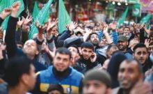QUE SE PASSE-T-IL À GAZA? Selon qui le décrit, il y a un soulèvement anti-Hamas ou un «complot» dirigé par le Fatah dans la bande de terre assiégée.