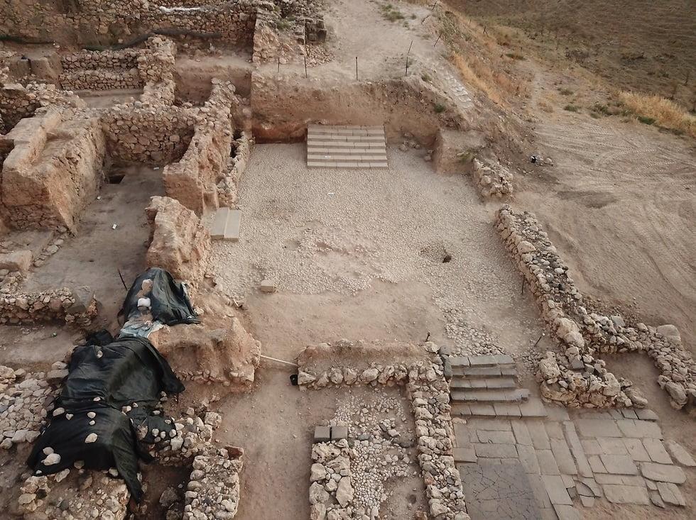Israel  Escalier du palais de Tel Hatzor